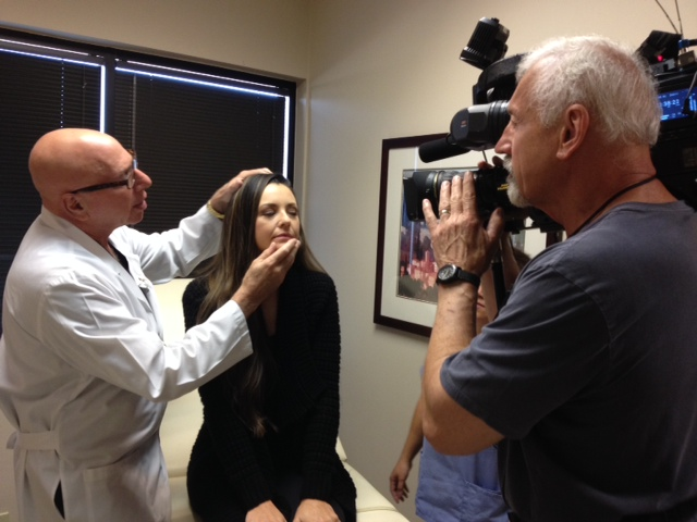 BEHIND-THE-SCENES SNEAK PEEK! Dr. Rose consults with Holly for INSIDE EDITION television exclusive