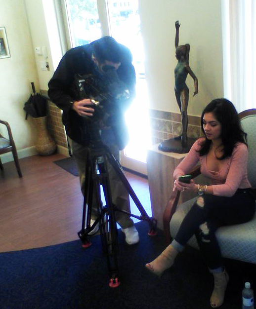 Behind the scenes photo of MTV's Casandra filming with Jeff of NEWSFIX Channel 39 Houston